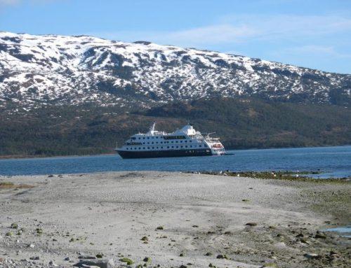 Cruise langs gletsjers en fjorden naar het einde van de Wereld