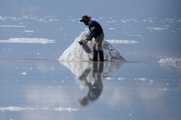 Bolivia Uyuni salt flats & lakes